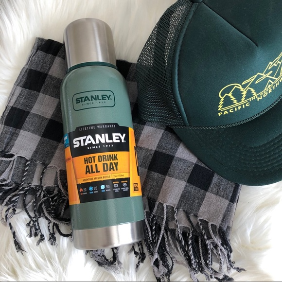 Stanly Hot/Cold Thermos NWT